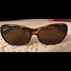 Like new Rayban polarized sunglasses